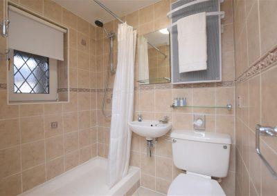 dexter-shower-room