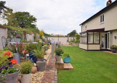 the-old-dairy-bandb-garden